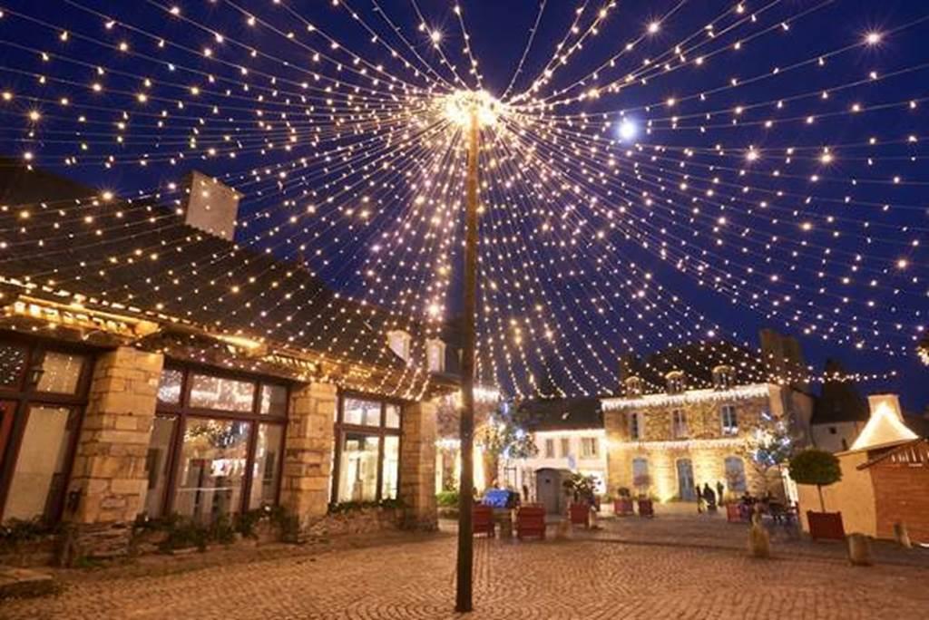 Illuminations de Noel à Rochefort-en-Terre (Crédit photo : Rudy Burbant )