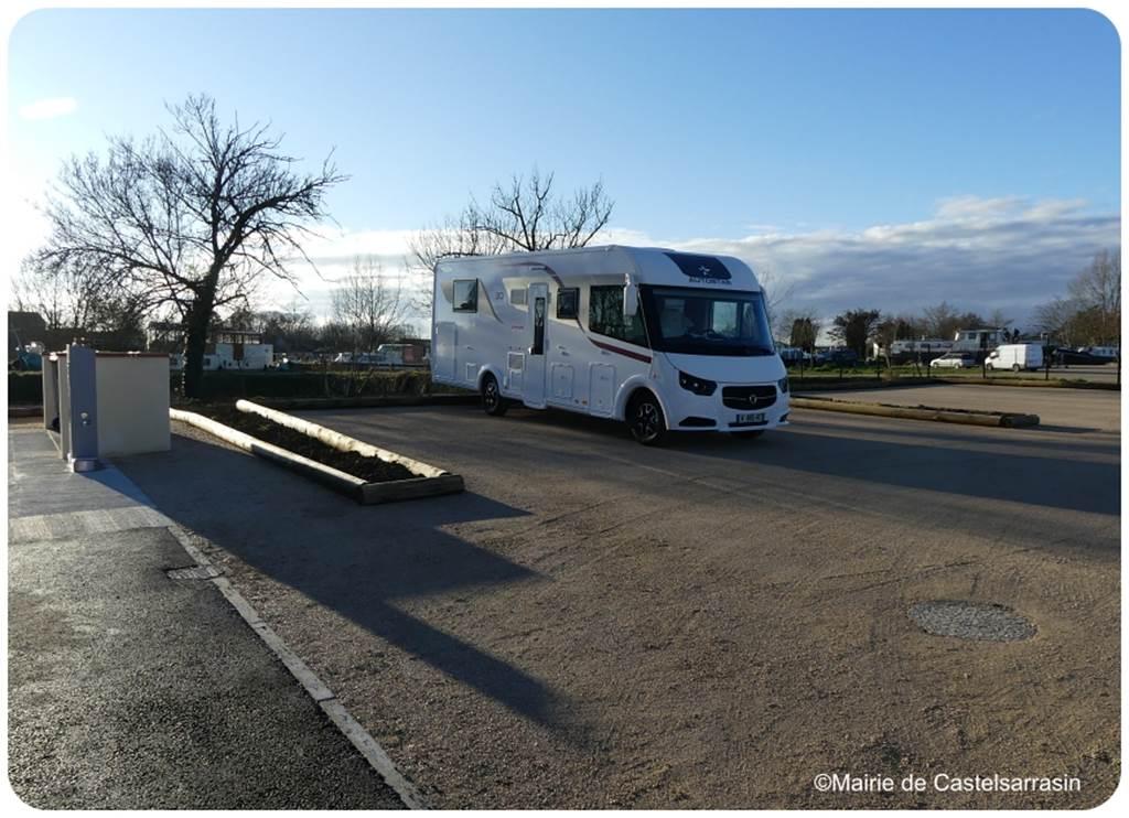 Área de estacionamiento de autocaravanas en Castelsarrasin