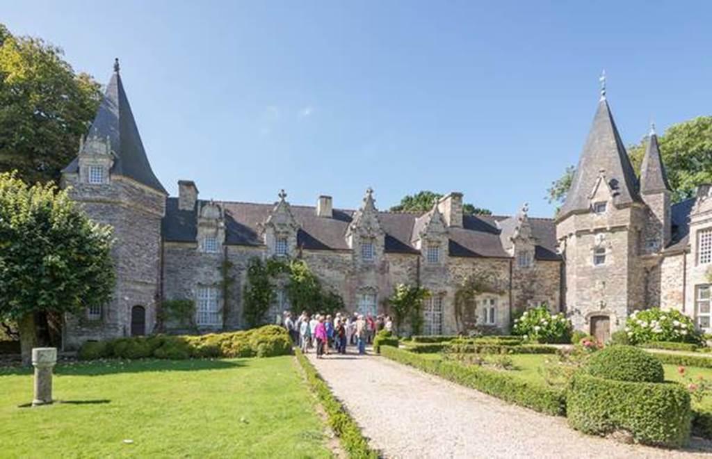 Visite guidée estivale de Rochefort-en-Terre - Morbihan Bretagne Sud (Crédit photo : A. GUI )