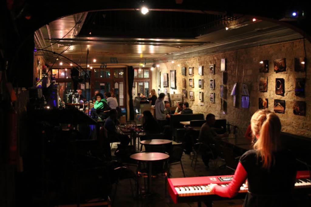Café Musical Le Puits de Jour (espace expositions)