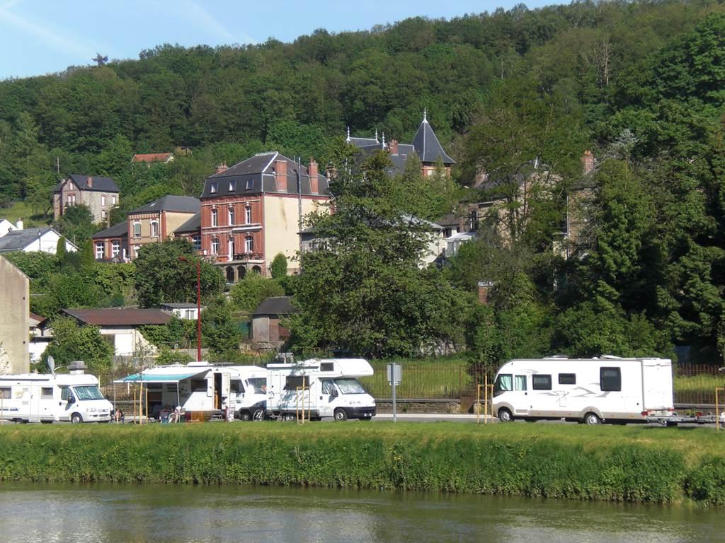 Aire de Camping Car de Bogny-sur-Meuse