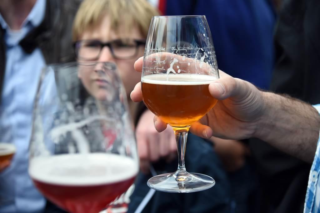 Report - Fête de la bière de Charleville