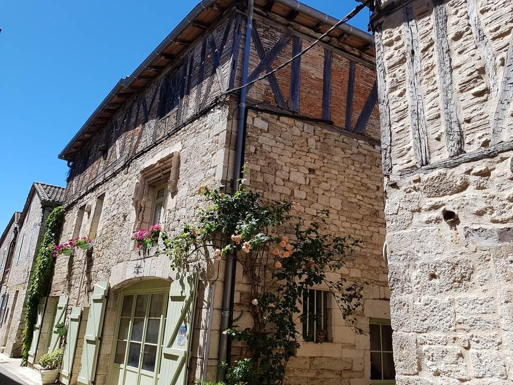 Visite guidée de la cité de Montpezat-de-Quercy