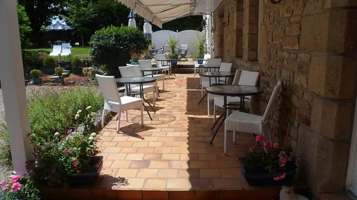 Terrasse Hôtel de Kerlon*** Plouhinec Morbihan ©