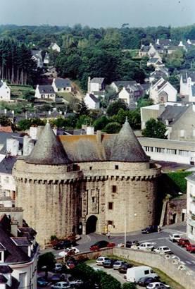 musee-tours-broerec'h-hennebont-Groix-Lorient-morbihan-bretagne-sud © musée tour broerech hennebont patrimoine
