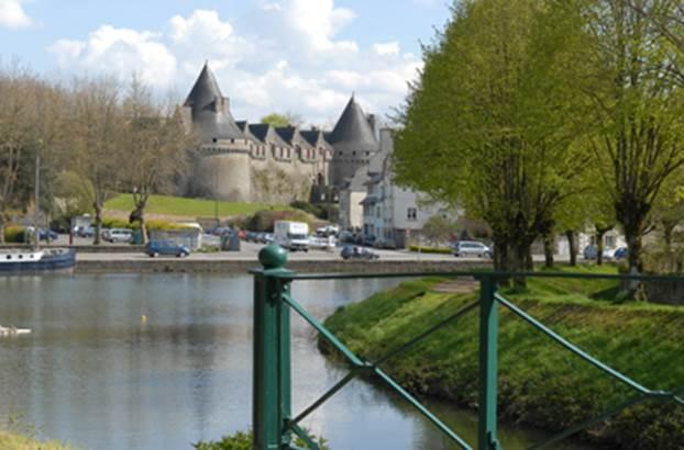 1-Camping-Municipal-du-Douric-Pontivy-Morbihan-Bretagne-Sud © Camping-Municipal-du-Douric