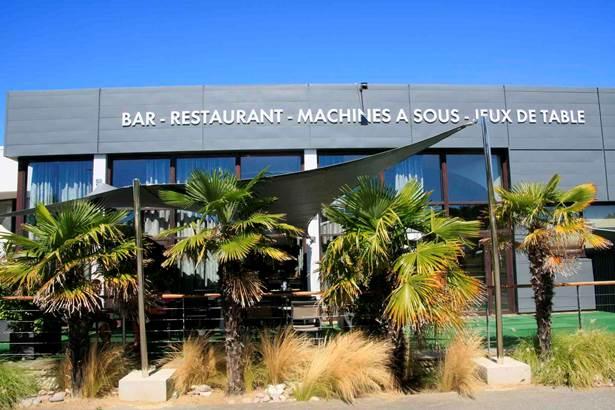 Bar-du-Casino-arzon-morbihan-bretagne sud-01 © Loïc KERSUZAN