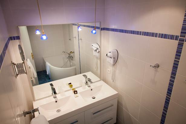 Salle de bain Suite Hôtel de Kerlon*** Plouhinec Morbihan ©