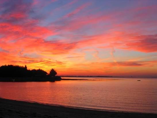 Coucher-de-Soleil-Maison-Marine-Marie-Le-Franc-Sarzeau-Presqu'île-de-Rhuys-Golfe-du-Morbihan-Bretagne-sud © Maison Marine Marie Le Franc