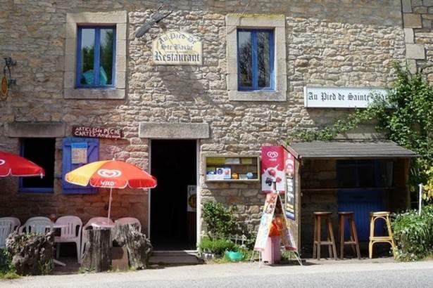 Restaurant-Au-Pied-de-Sainte-Barbe-LeFaouet-Pays-Roi-Morvan-Morbihan-Bretagne-Sud © Karim Haussouna