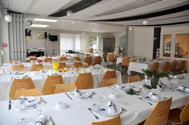 location de salle pour vos fêtes de famille, anniversaire, mariage,... ©