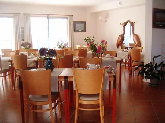 Salle-Hôtel-Chevalier-Gambette-Saint-Armel-Presqu'île-de-Rhuys-Golfe-du-Morbihan-Bretagne sud © Hôtel Chevalier Gambette