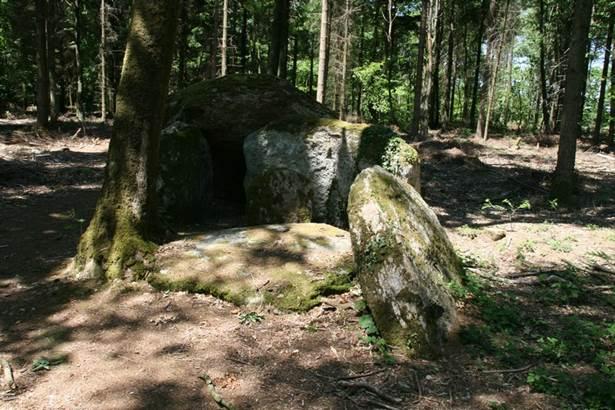 Dolmen de Coeby2 Tredion Morbihan Bretagne-sud © CDT56