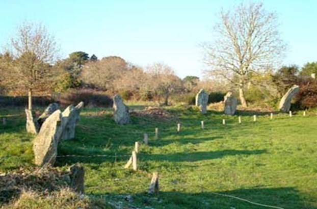 1-Megalithes-de-Kergonan-Ile-aux-Moines-Morbihan-Bretagne-Sud © mairie ile aux moines