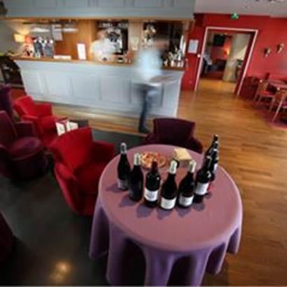 bar-a-vins-la-trinite-sur-mer-morbihan-bretagne-sud ©