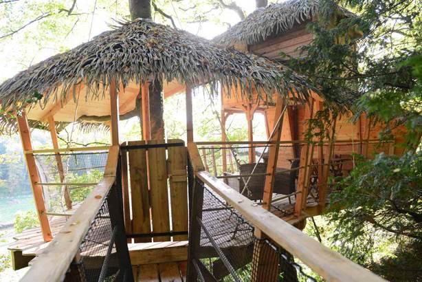 Votre Cabane dans les arbres © OT Pontivy Communauté