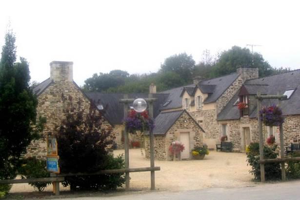 Nuitee-Gite-Etape-Domaine-Tronjoly-Gourin-Pays-Roi-Morvan-Morbihan-Bretagne-Su © Rando Accueil