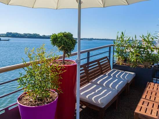 Bar Restaurant Piano Barge © Bar Restaurant Piano Barge