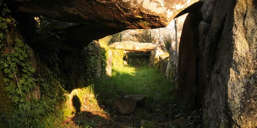 Allée couverte de Mané Roullarde La Trinité sur Mer - Morbihan Bretagne sud (1) © C. WACTAUSEN