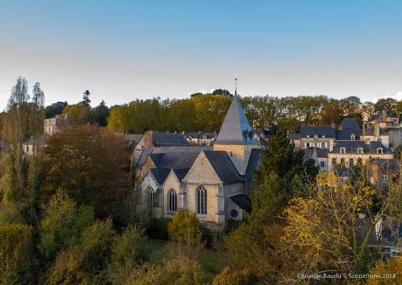 Eglise de Rochefort-en-Terre - Morbihan Bretagne Sud © Christian Baudu - Scopidrone