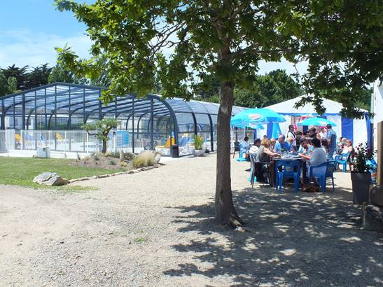 2.Camping Les Goélands snack bar Plouharnel-Morbihan Bretagne Sud © Camping Les Goélands
