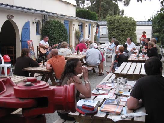Bar/restaurant du camping la Vallée du Ninian ©