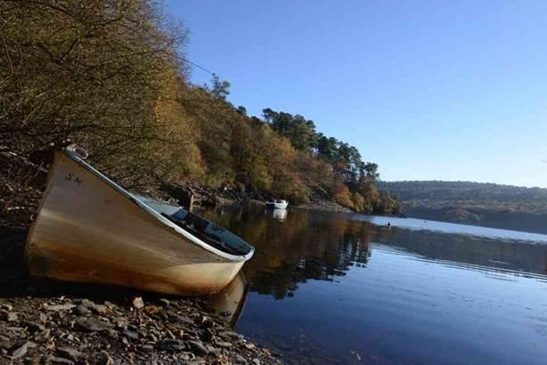 Vue sur le lac © OT Pontivy Communauté