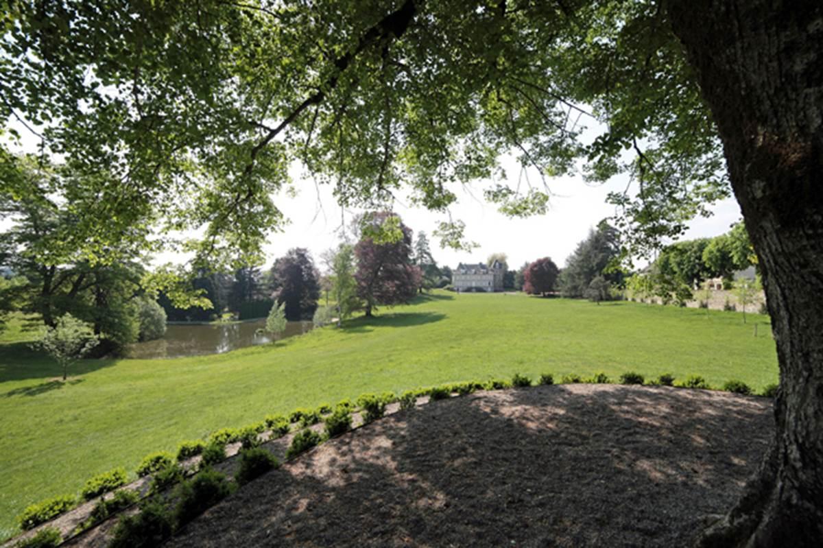 Le-belvedere-de-Gratte-Bruyere-a-Serandon