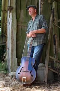 Concert Paul Cowley (Blues) au petit café dans la prairie