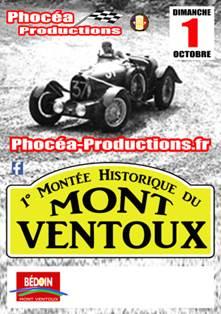 Montée historique de véhicules anciens