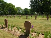 Cimetière militaire allemand et cimetière militaire britannique