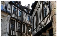 Maisons à pans de bois du XVème siècle