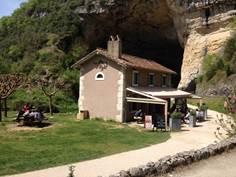 La maison de la grotte