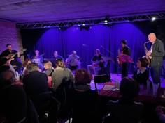 COLPORTEUR D'IMAGES AU RELAIS DE POCHE À VERNIOLLE