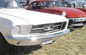 Alès : ANDUZE - vendredi 18 octobre 2019 - Exposition de voitures anciennes