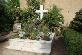 L'église Sainte-Radegonde -  La Tombe de Monet