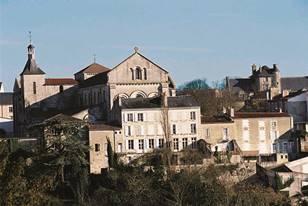 Le bourg de Saint-Hilaire