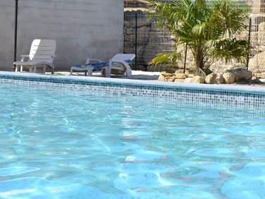 Les olivettes-bambou piscine