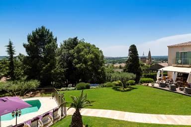 Hôtel avec vue panoramique sur St-Quentin-La-Poterie et Uzès