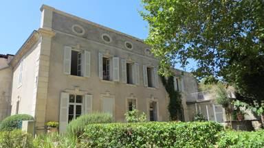 """Chambre d'hôtes """"La Claire Demeure"""" – MONTFRIN – location Gard"""