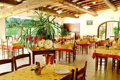 Le PRADINAS-Restaurant