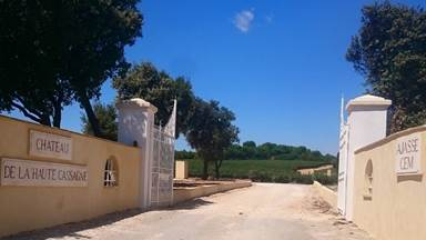 """Gîte """"Château de la Haute Cassagne"""" – ST GILLES – location Gard"""