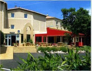 Hôtel restaurant la Fenouillère à estézargues