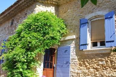 chambre-Saint-Victor-la-Coste1
