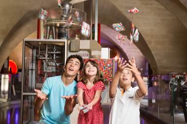 Famille au Musée du Bonbon Haribo