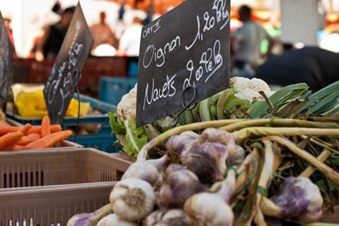 Le marché Place Vignon