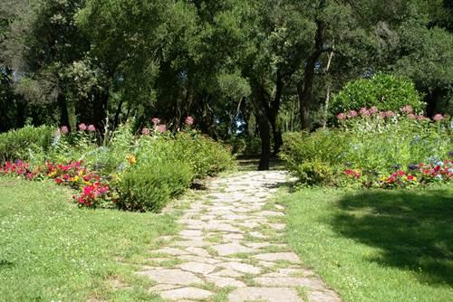 Jardins de la Fontaine - Allée