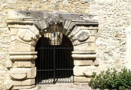 GOUDARGUES - Porte
