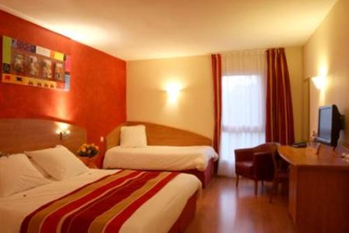 KYRIAD NIMES OUEST Chambre ROUGE