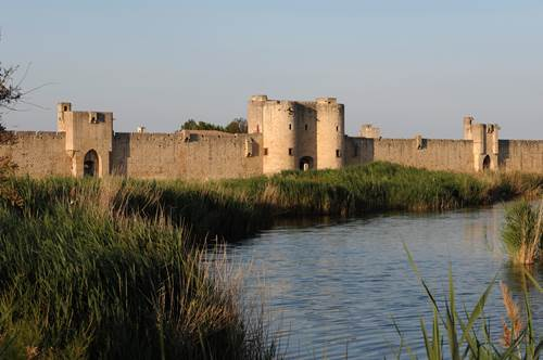 Remparts d'Aigues-Mortes vue d'ensemble